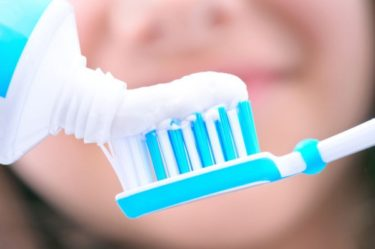 แปรงฟันอย่างไรให้ถูกวิธี